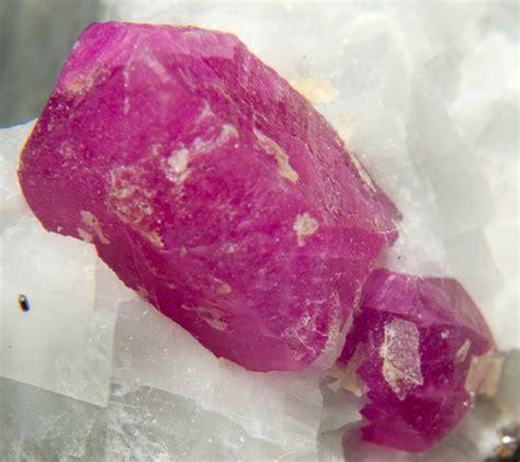 corundum gemstone buzz