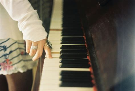 playing  piano  tumblr
