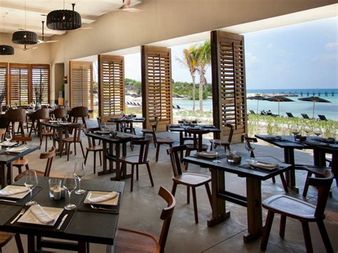 hotels resorts tips for choosing restaurant design cancun s nizuc resort and spa a design adventure in