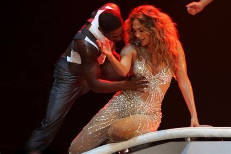 Jlo Wardrobe Unedited by Wardrobe On Stage Fans Get The