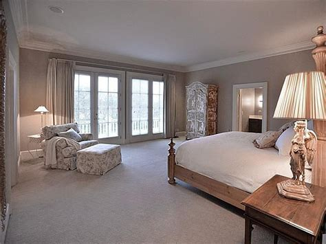 trisha bedroom southern star trisha yearwood selling country house near