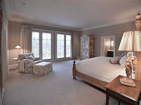 trisha bedroom southern star trisha yearwood selling country house near