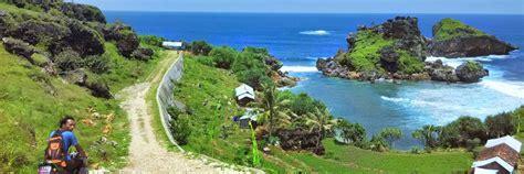 pantai terbaik  yogyakarta  menyuguhkan panorama