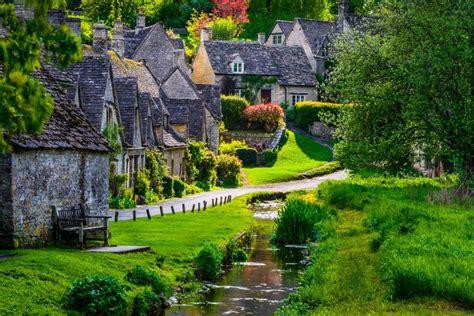 scenic town today s idyllic walk the small village of bibury england