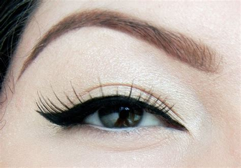 perfect winged eyeliner tutorial youtube perfect winged eyeliner tutorial via youtube beauty