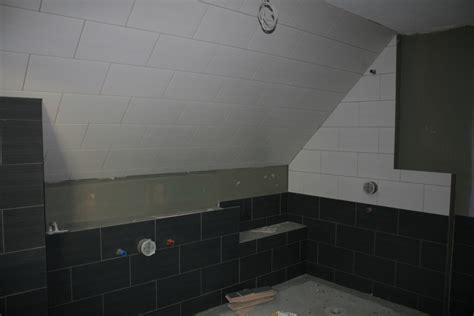 Badezimmer Modern Mit Dachschräge by Badezimmer Dachschr 228 Ge Verkleiden