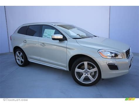 2013 volvo xc60 r design cosmic white metallic 2013 volvo xc60 t6 awd r design