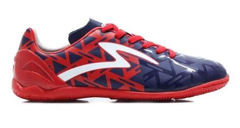 Sepatu Bola Specs Yin Yang 10 sepatu futsal specs yang bagus dan berkualitas