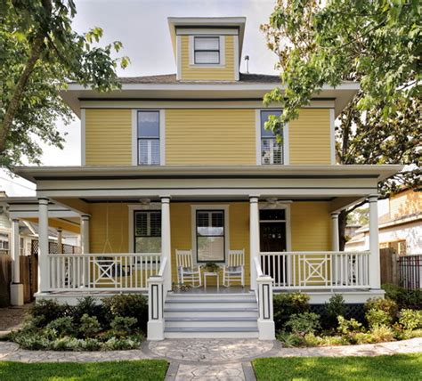 yellow and white houses i am doing a yellow house clapboard colonial with
