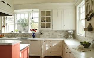 Backsplash For Kitchen With White Cabinet by Backsplash For White Kitchen Cabinets Indelink