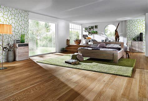 teppich auf teppich legen teppich auf parkett legen bunter einfacher trends bei