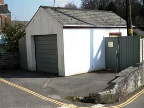 garage to rent in 1 place truro cornwall tr1