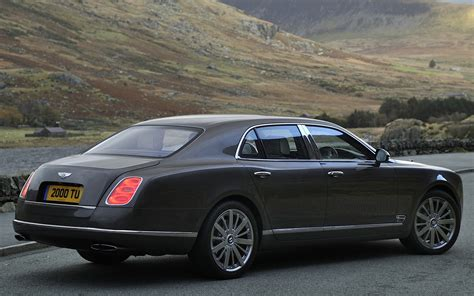 bentley mulsanne 2014 2014 bentley mulsanne rear side view photo 15