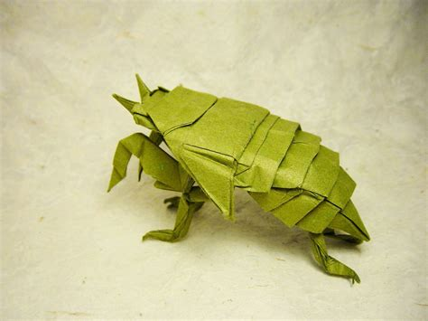 Origami Cicada - i c ant believe how complex and realistic these origami