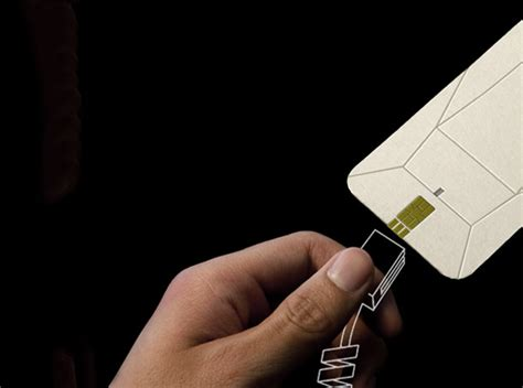 Origami Smartphone - origami phone folds into a flat of cardboard