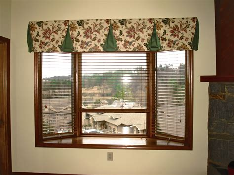 Wood Valances For Windows Decor Room With Simple Interior Design Ideas Including Small Window Made Of Wooden And Visible
