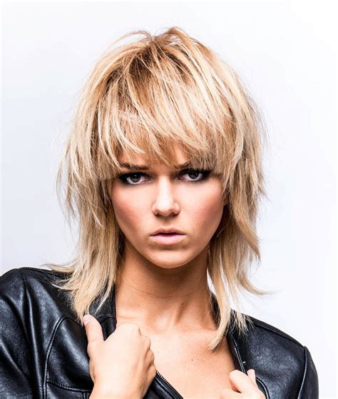 rock and roll female front woman bob haircut image gallery rocker hair