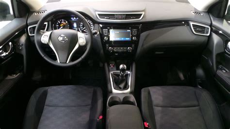 nissan qashqai  dci ch connect edition euro