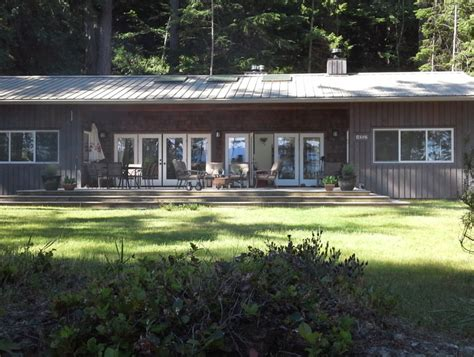 oceanfront cottage living on savary island bc pacific homes