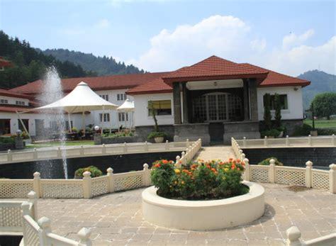 best hotels in srinagar 5 hotels srinagar near dal lake grand palace