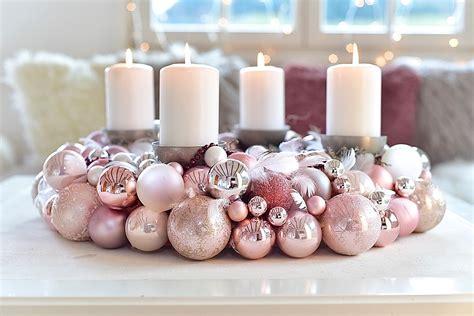 Adventskranz Aus Kugeln by Adventskranz Aus Weihnachtskugeln Selber Machen