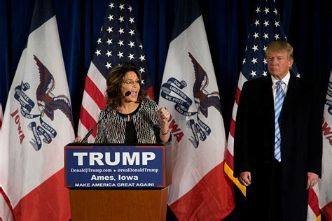 Sarah Palin Donald Trump   sarah palin donald trump riceve il suo appoggio in iowa