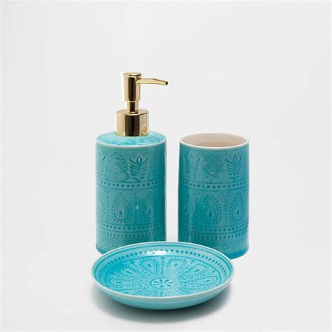 Aqua Bathroom Accessories Sets Best 25 Turquoise Bathroom Accessories Ideas On Teal Bathroom Mirrors Teal Bath