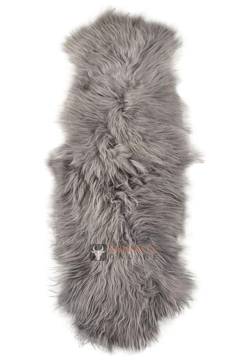 bettvorleger grau 214 ko lammfell bettvorleger silber grau 200 x 65 cm