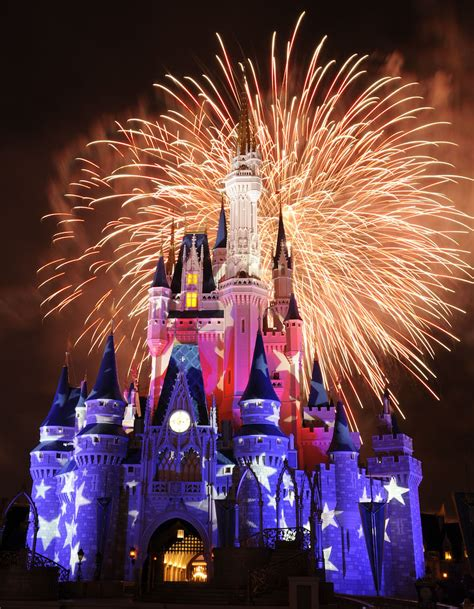 united states disney fireworks display wins 2016 disney parks salutes u s with special ticket