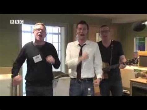 david tennant the proclaimers david tennant sings i would walk 500 miles with the