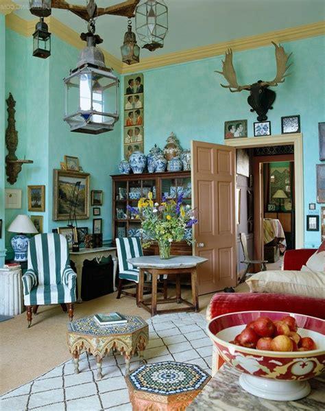 ideas de salones modernos decorados en estilo bohemio