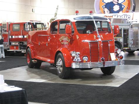 history of kenworth trucks trucks of the 40 s kenworth fire truck special