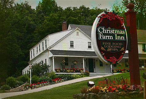 christmas farm inn haunted christmas decore