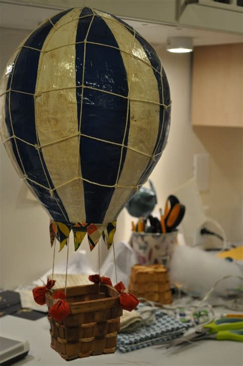 How To Make Paper Mache Balloon - best 25 paper mache balloon ideas on balloon