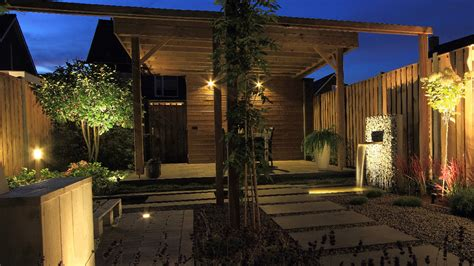 How To Choose And Install Landscape Lighting Certified How To Choose Landscape Lighting