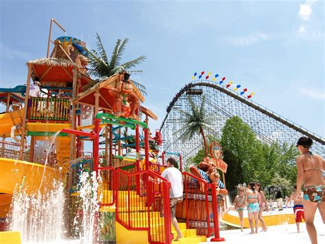 7 Great Amusement Parks For by Tripadvisor Top 10 Us Water Parks Business Insider