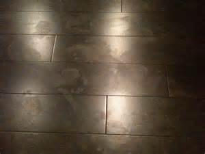 floor cleaner that keeps wood floors from showing