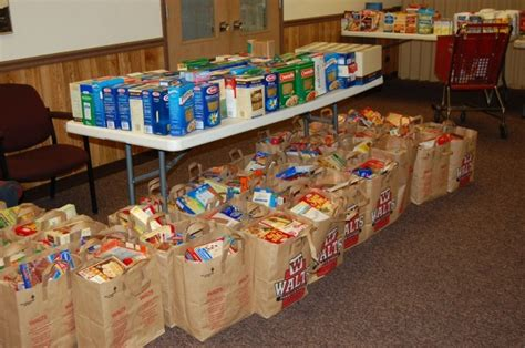 Catholic Church Food Pantry by Catholic Charities Food Pantry Stay Open With Help From