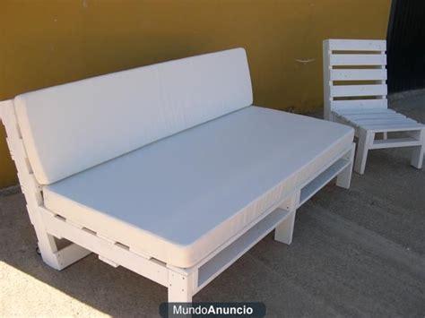sofa cama de palets reciclados estilo chill  baleares