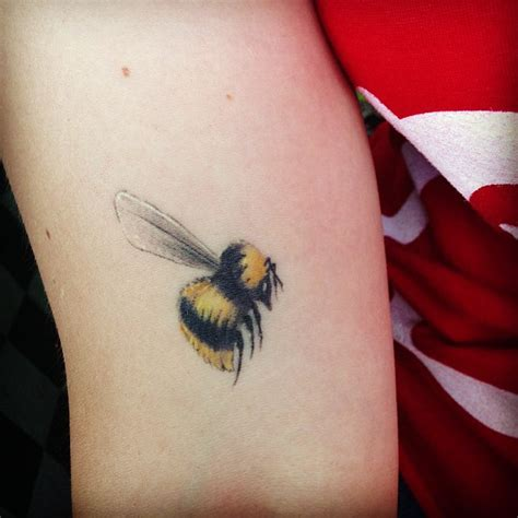 small bumble bee tattoo small bee for your arm tattooshunt