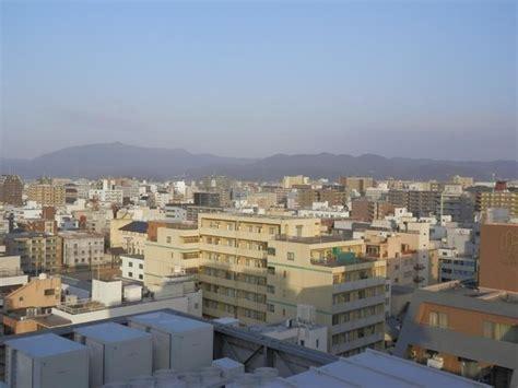 toyoko inn kyoto 高層階からの眺望です 京都の山並み picture of toyoko inn kyoto gojo