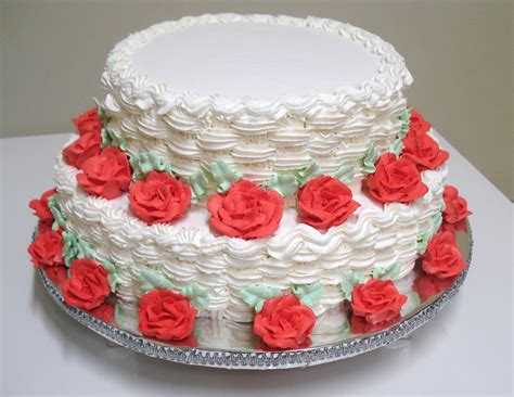 como decorar um bolo de casamento bolo de casamento 2 andares decorado rosas de