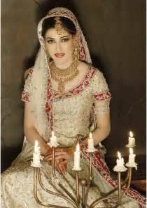 indian and pakistani bridal mehndi dress designs