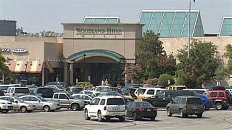 tulsa s woodland hills mall goes dark after power failure