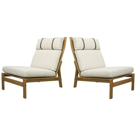 Oversized Lounge Chairs by Pair Of Oversized Lounge Chairs By Komfort Design