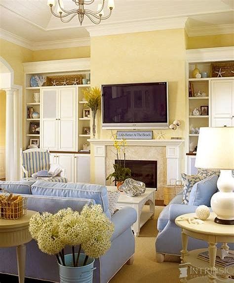 yellow living room walls 25 best ideas about yellow walls on pinterest yellow