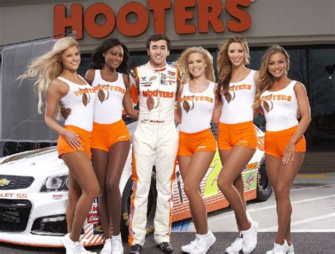 hooters atlanta georgia hooters returns to nascar offerings for atlanta fans