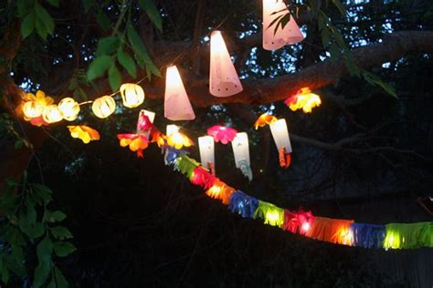 how to light up a backyard party 10 ways to trick out your party lights brit co