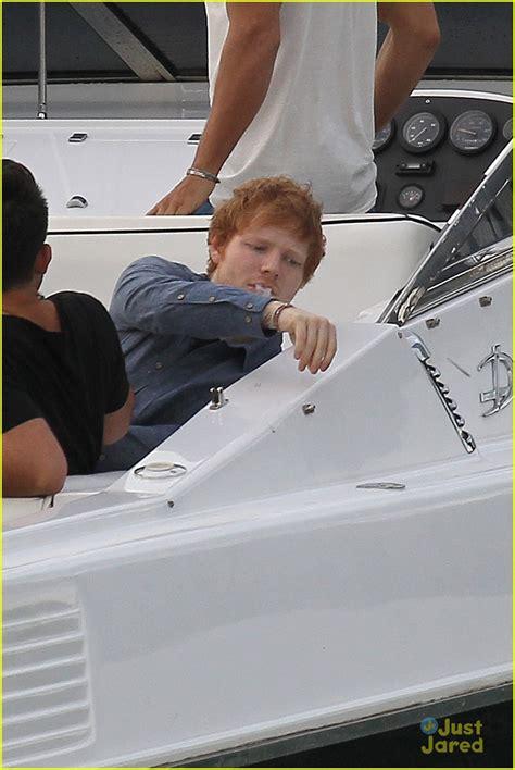 ed on a boat ed sheeran surprises sydney students with secret school