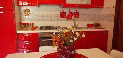 piastrelle cucina rosse stunning piastrelle cucina rosse ideas embercreative us